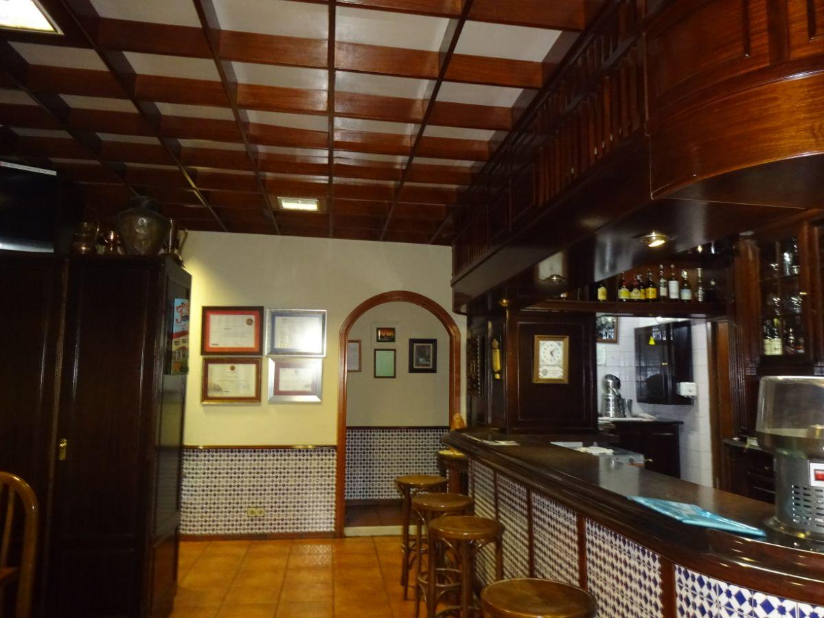 For rent of commercial in Siero
