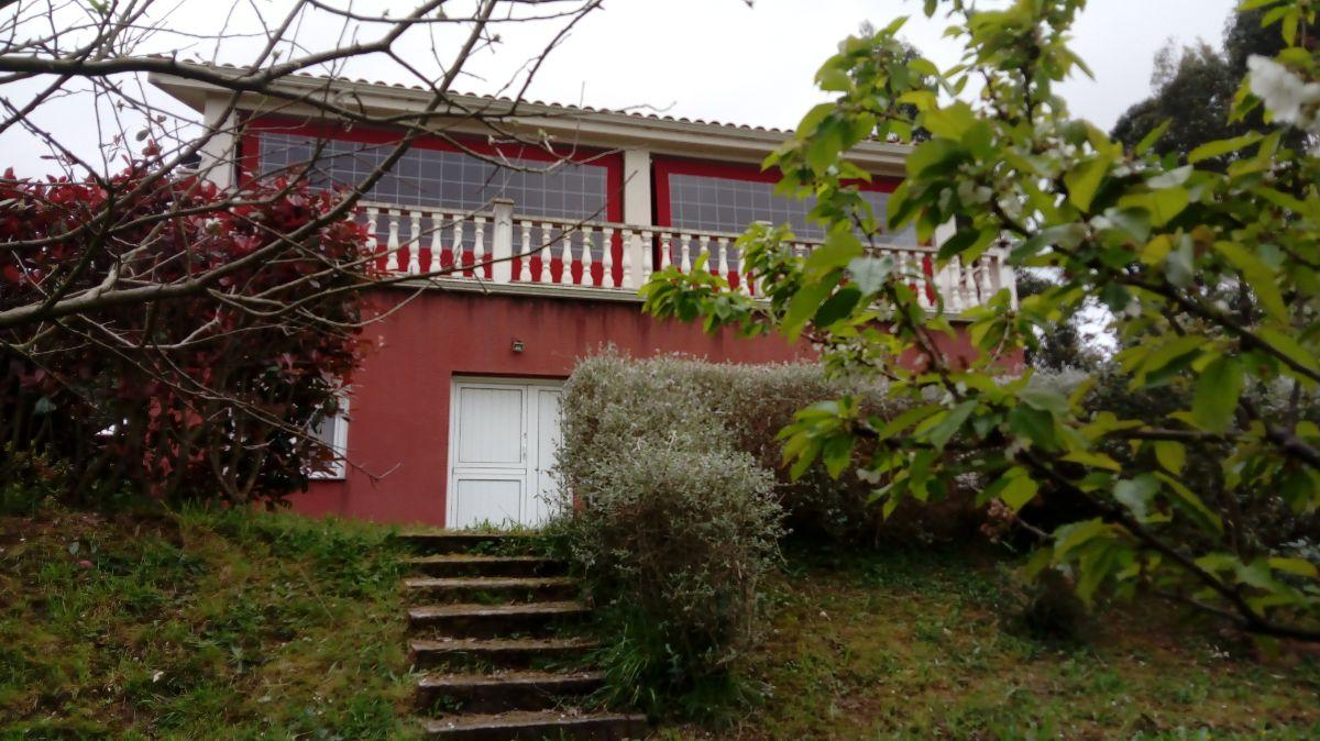 For sale of house in Soto del Barco Concejo