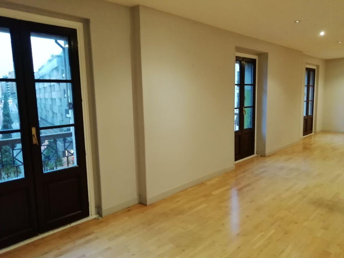 For sale of office in Oviedo