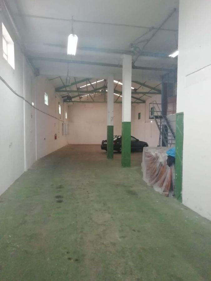 For rent of industrial plant/warehouse in Siero