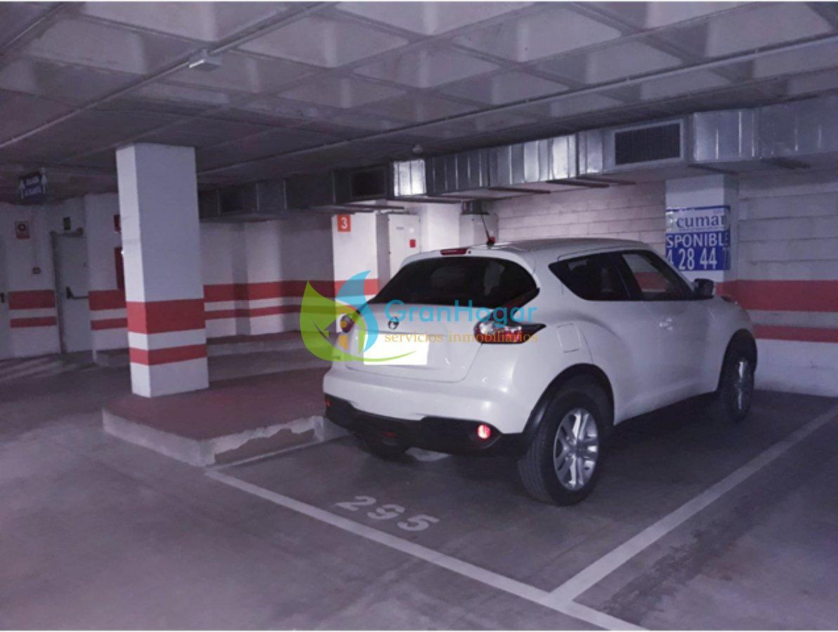 For sale of garage in Sevilla