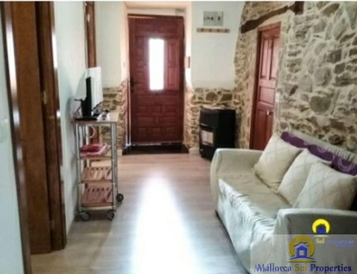 For rent of ground floor in Puebla de Sanabria