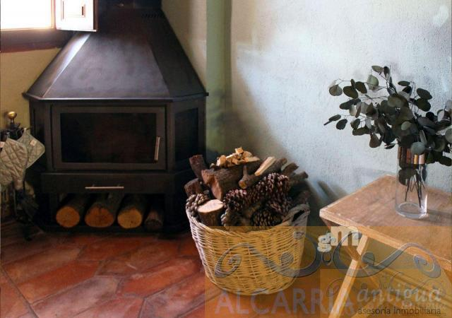For sale of house in Chillarón del Rey