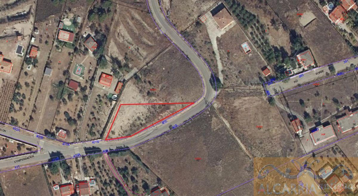 For sale of land in Illana
