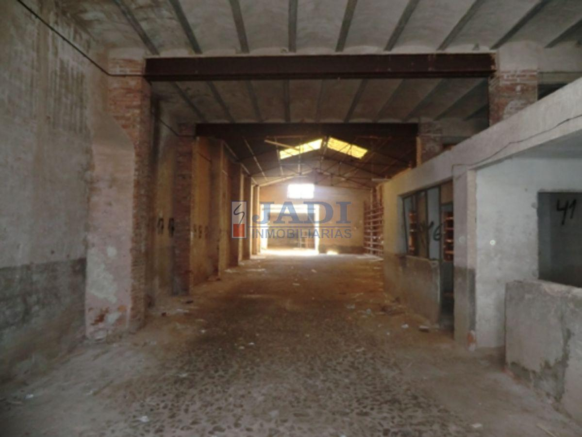 For sale of industrial plant/warehouse in Valdepeñas