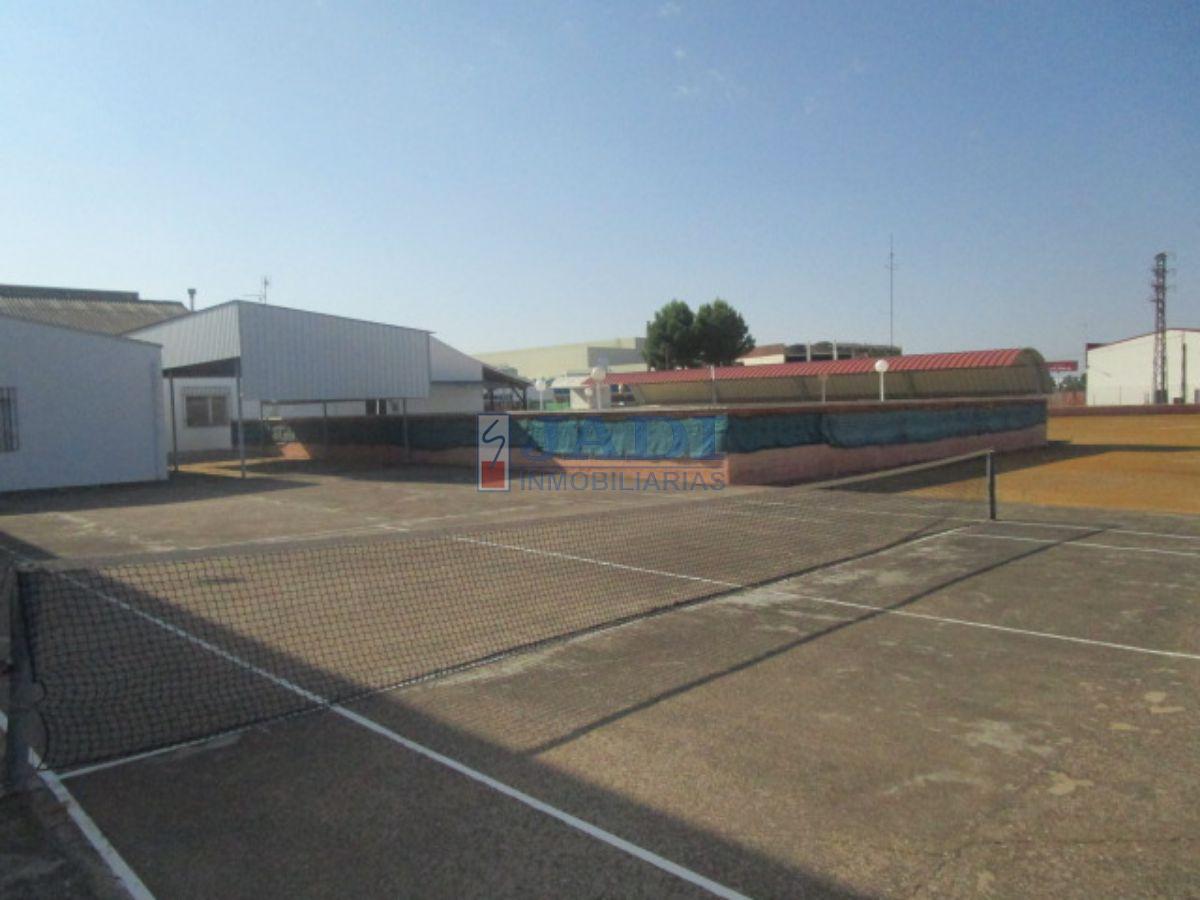 Venta de nave industrial en Valdepeñas
