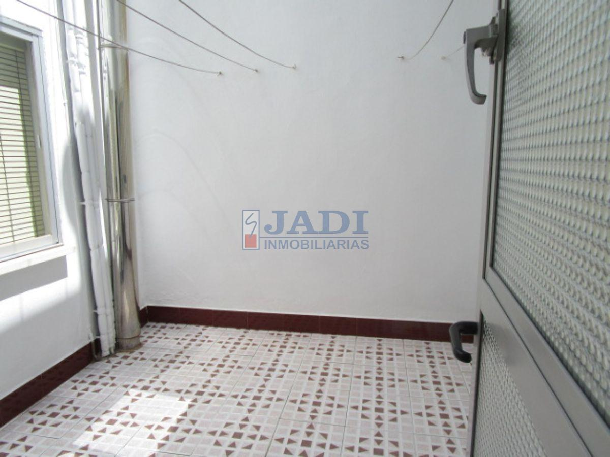 For sale of flat in Valdepeñas