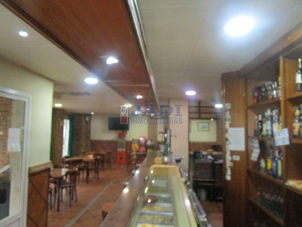Venta de local comercial en Valdepeñas