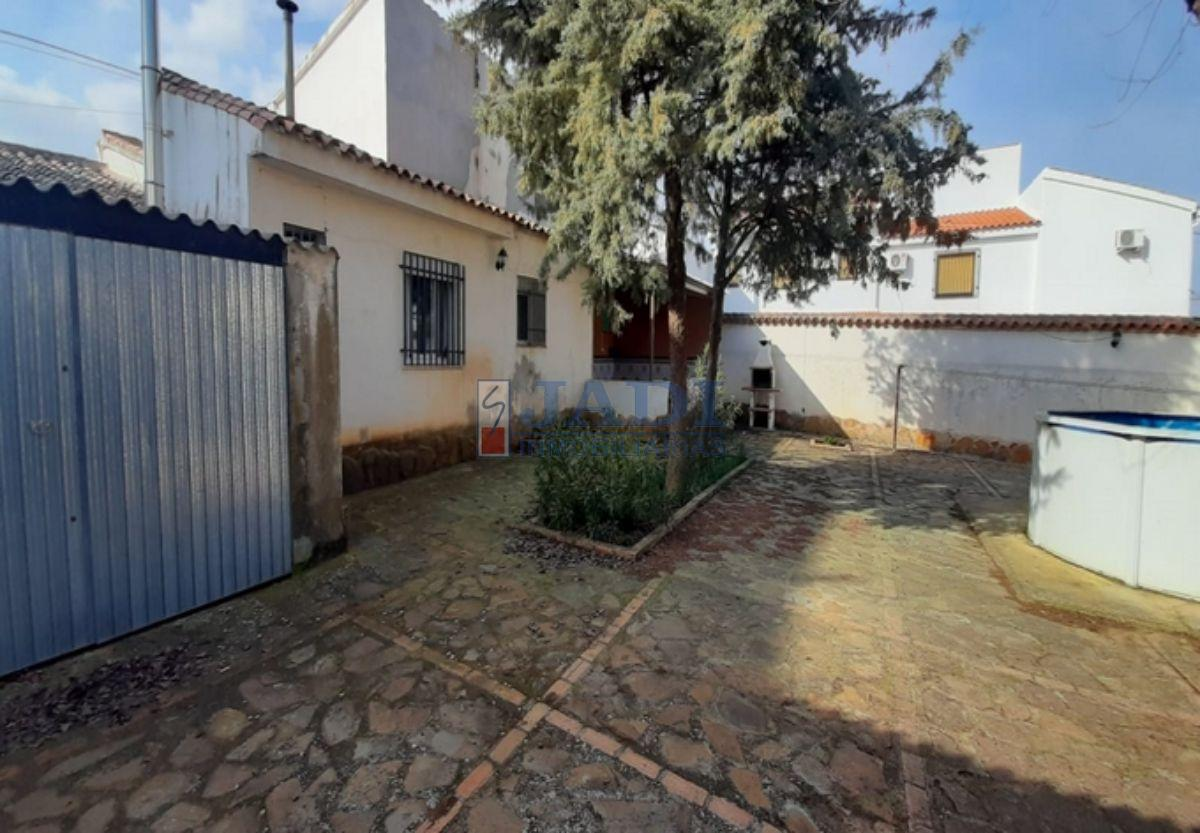 For sale of house in Viso del Marqués