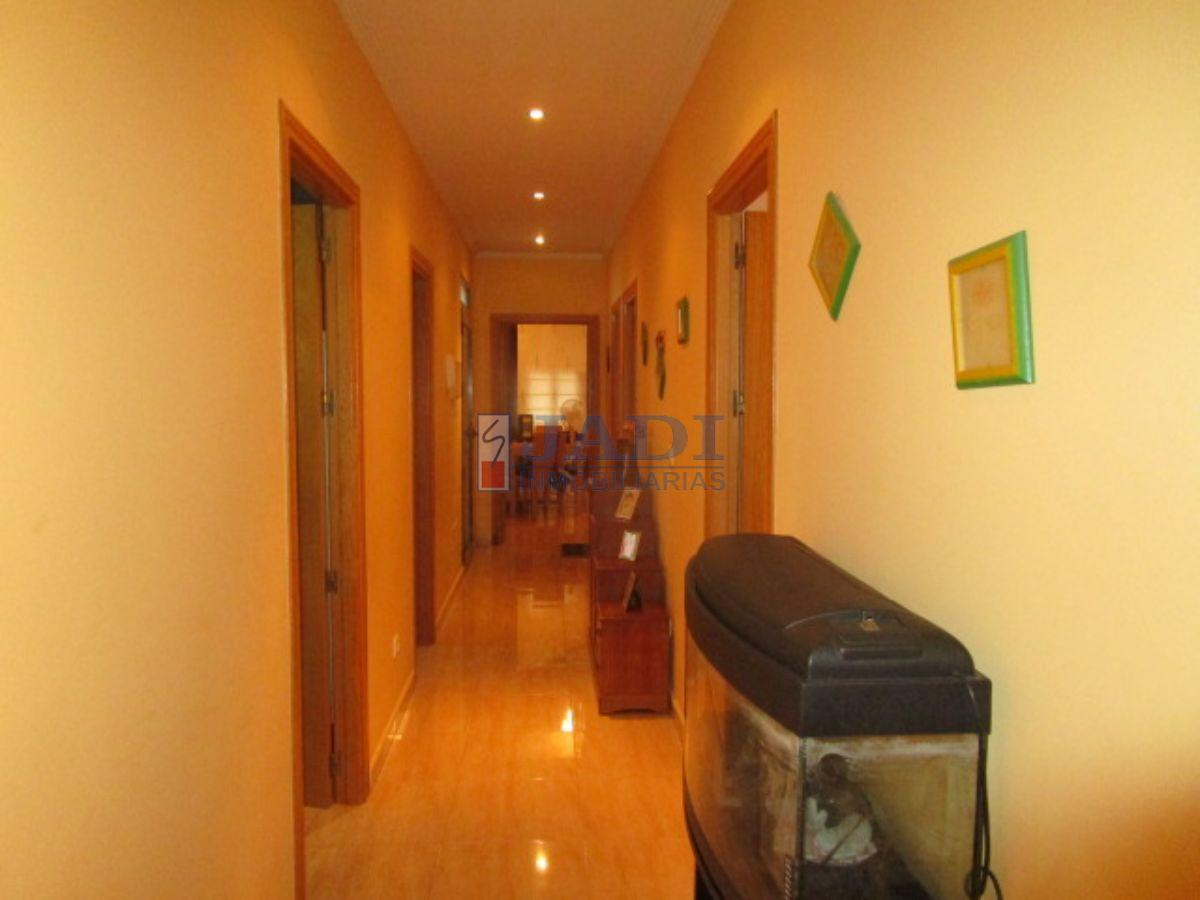 For sale of house in Valdepeñas