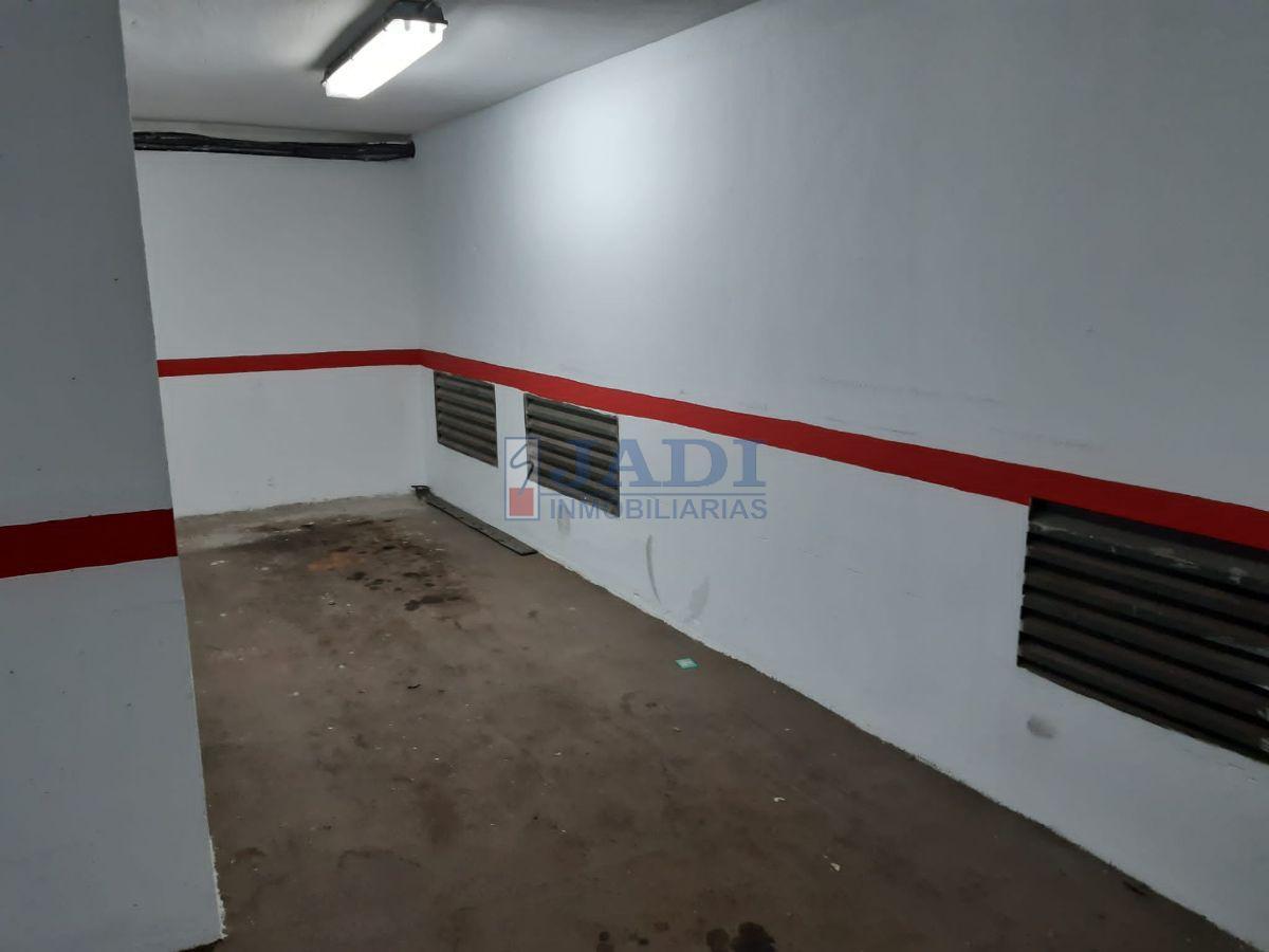 For sale of garage in Valdepeñas