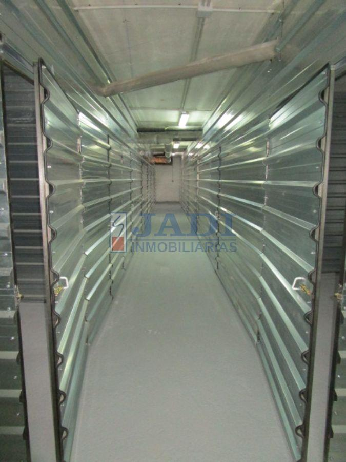 For rent of storage room in Valdepeñas