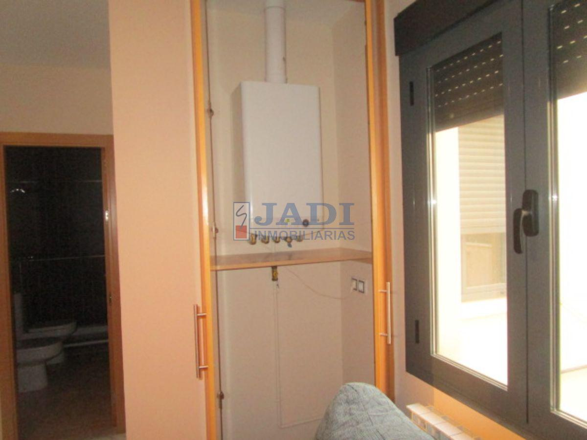 For sale of apartment in Valdepeñas