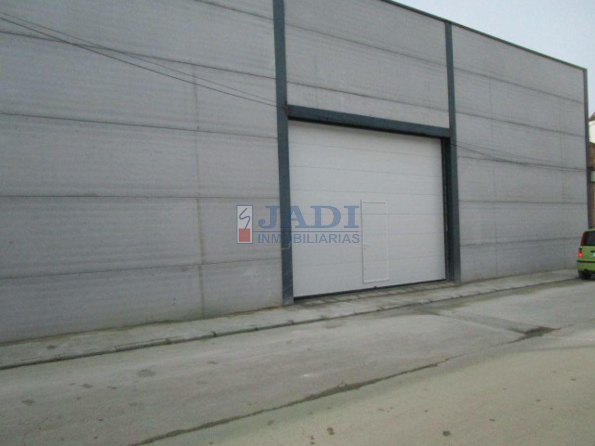 For rent of garage in Valdepeñas