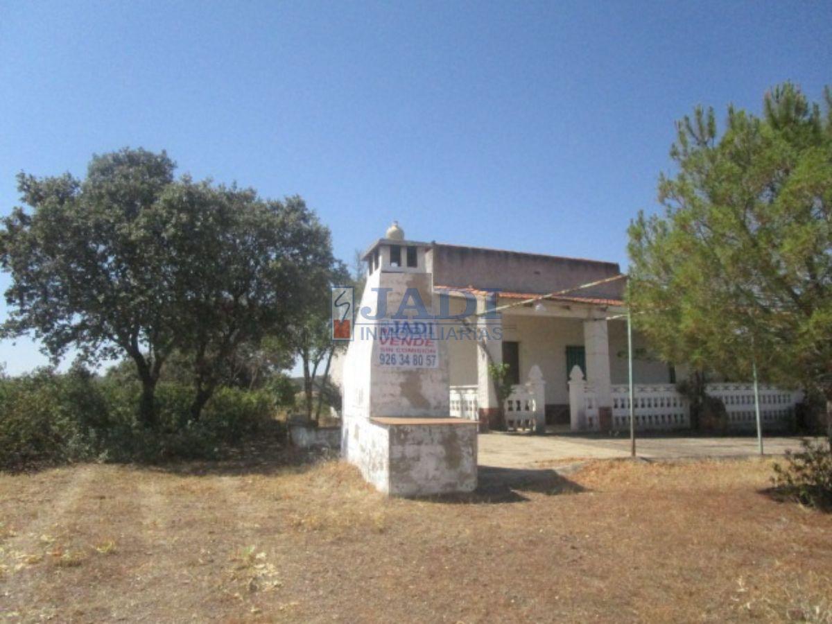 For sale of house in Torrenueva