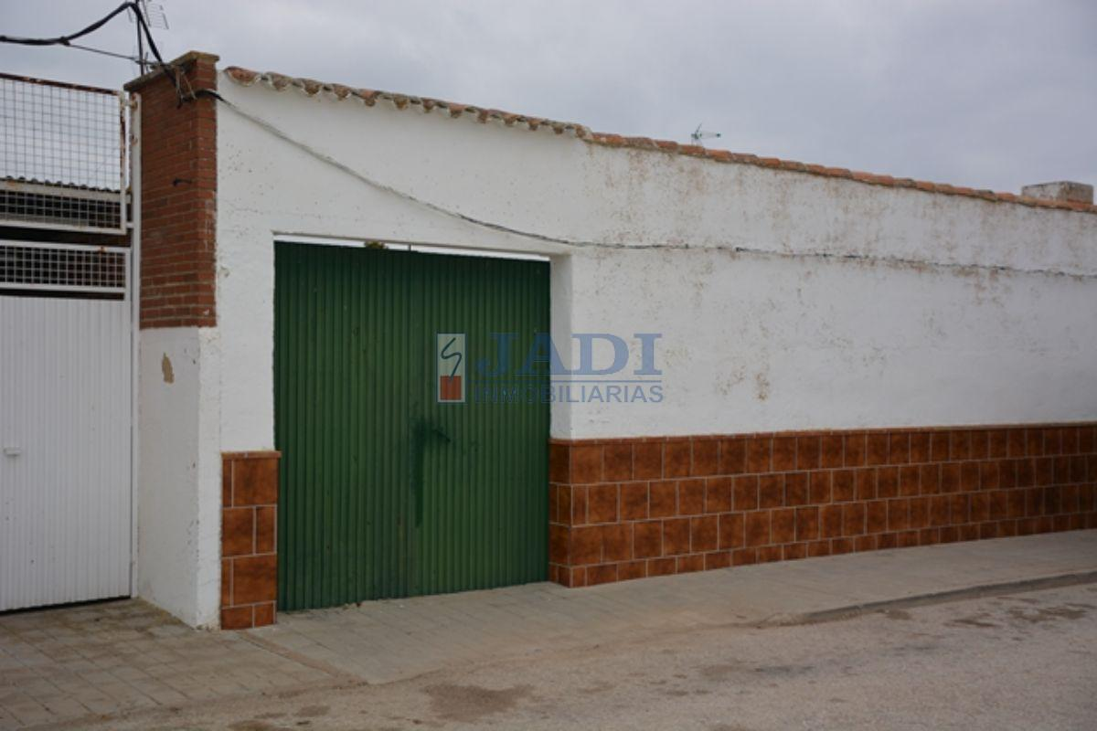 For sale of house in Almuradiel