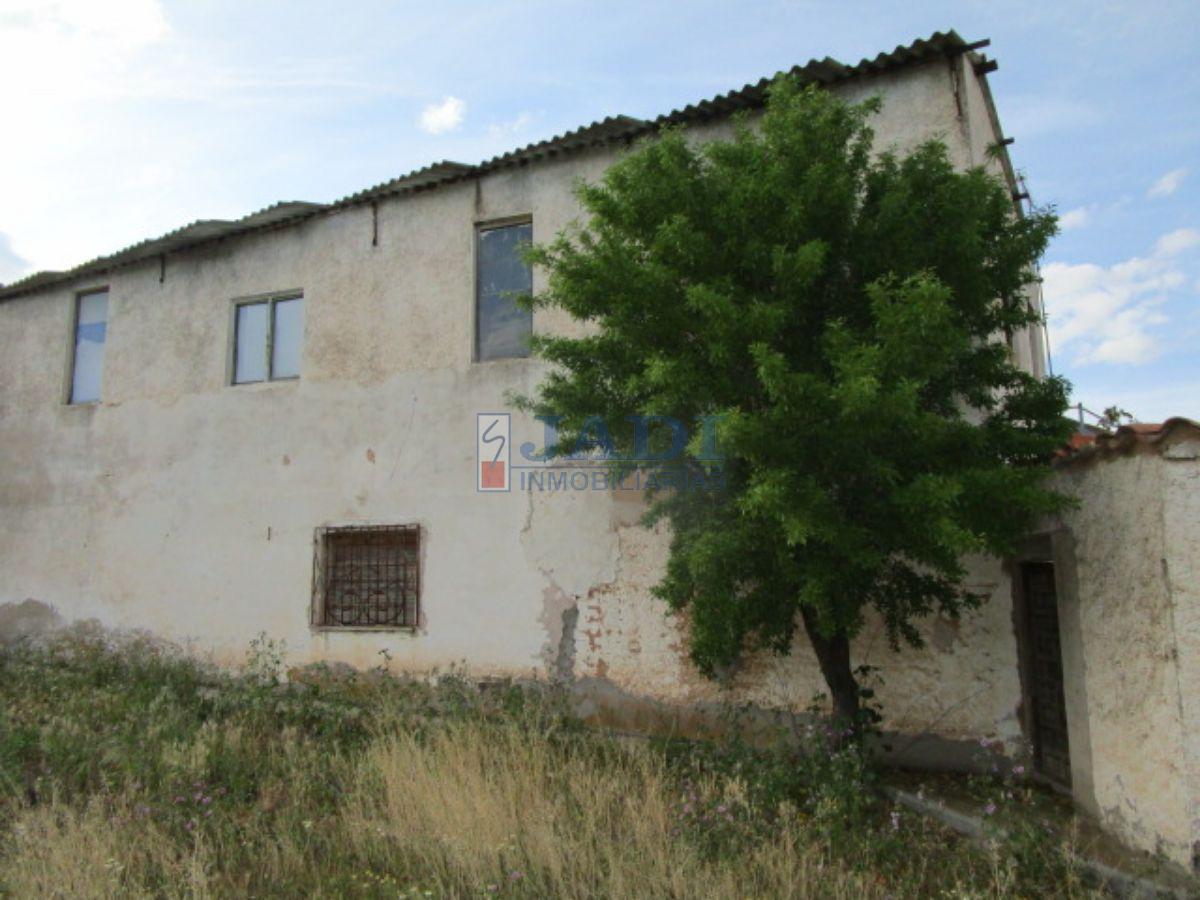 For sale of rural property in Valdepeñas