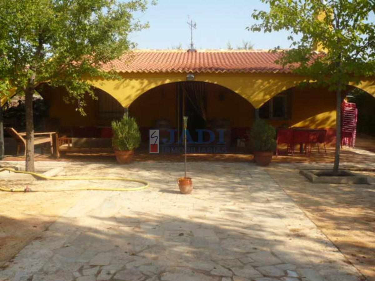 Venta de casa en Valdepeñas