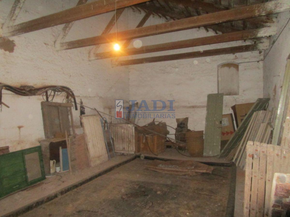 For sale of cellar in Valdepeñas
