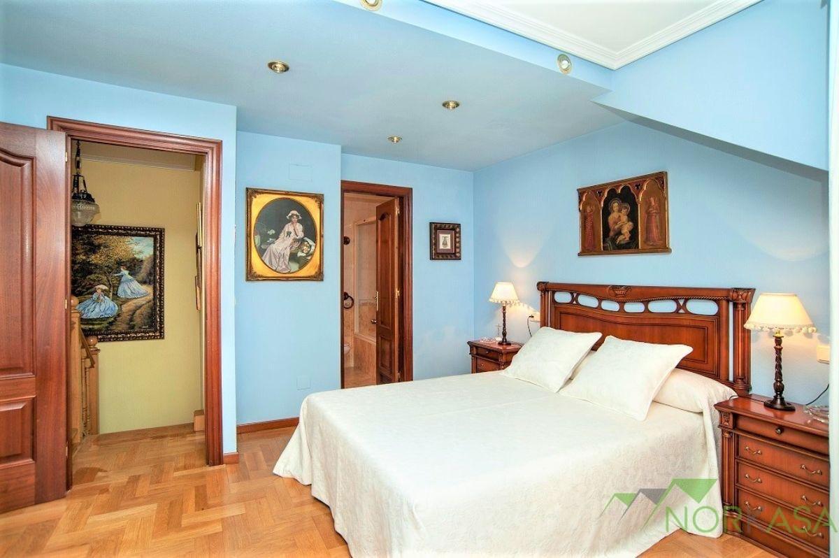 For sale of duplex in Oviedo