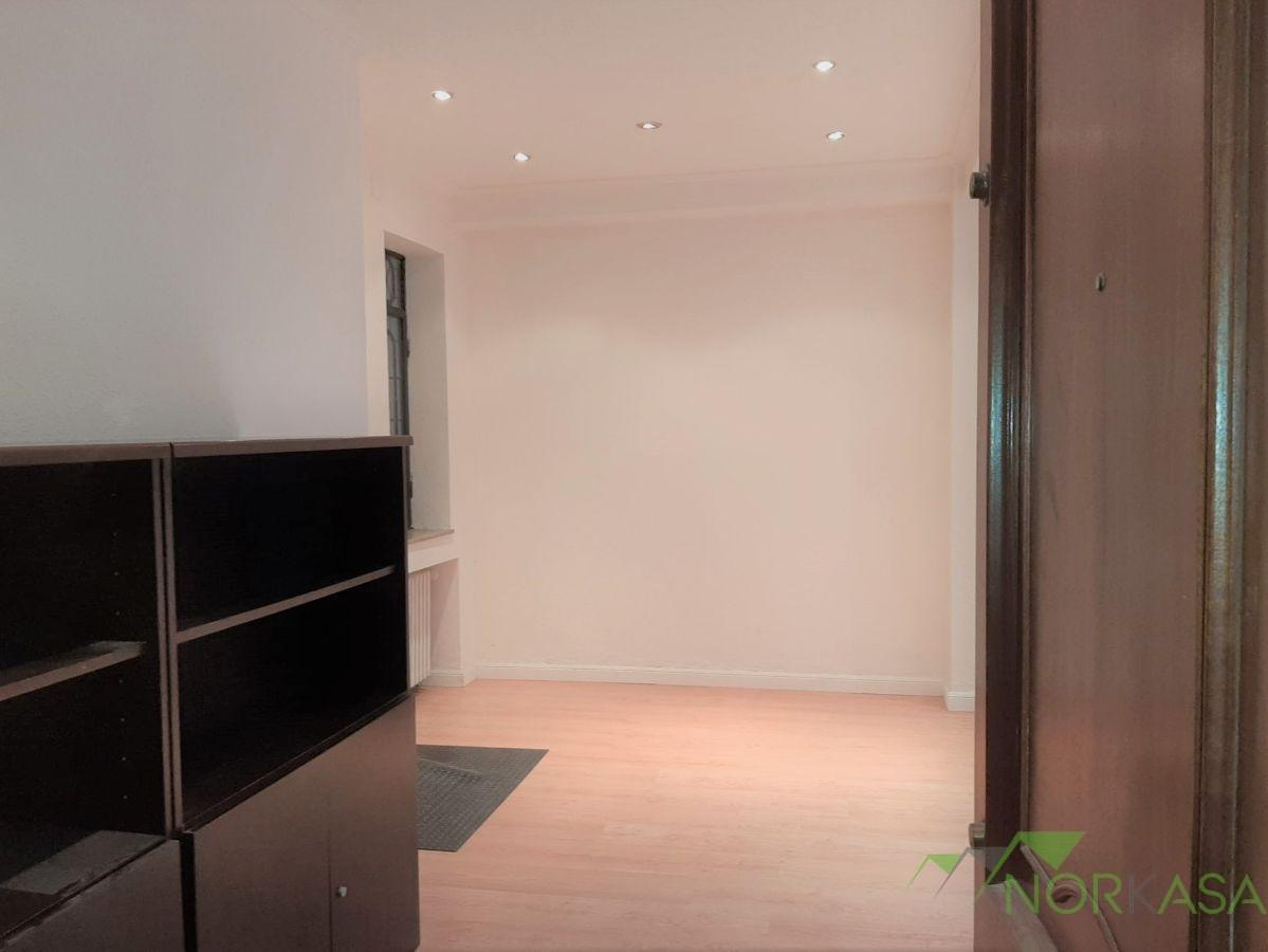 For rent of office in Oviedo