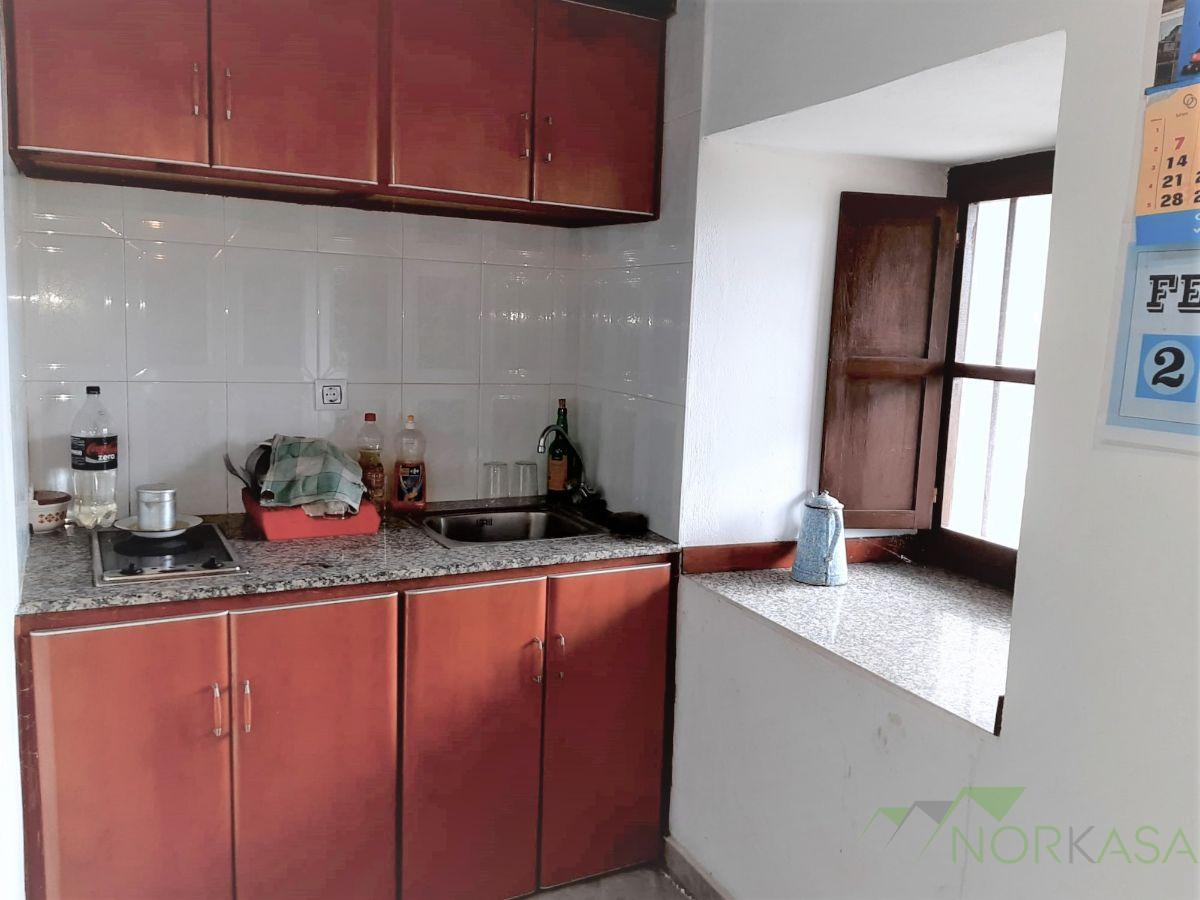 For sale of house in Quirós