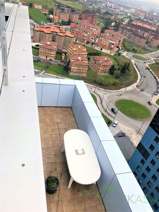 For sale of penthouse in Oviedo