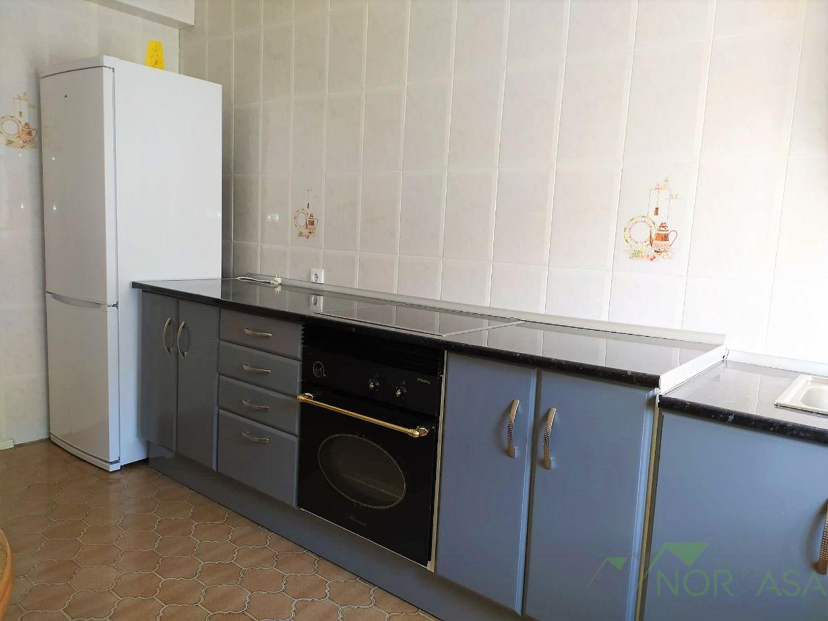 For sale of flat in Lena