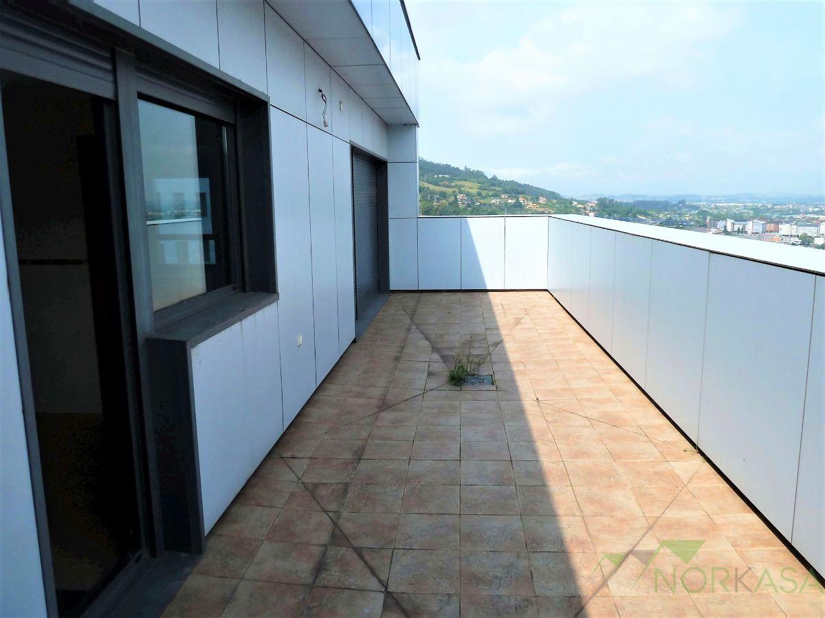 For rent of penthouse in Oviedo