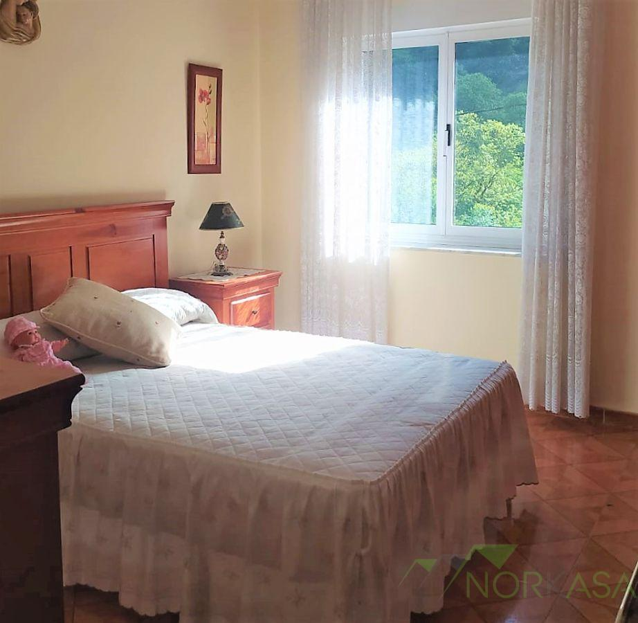 For sale of flat in Morcín