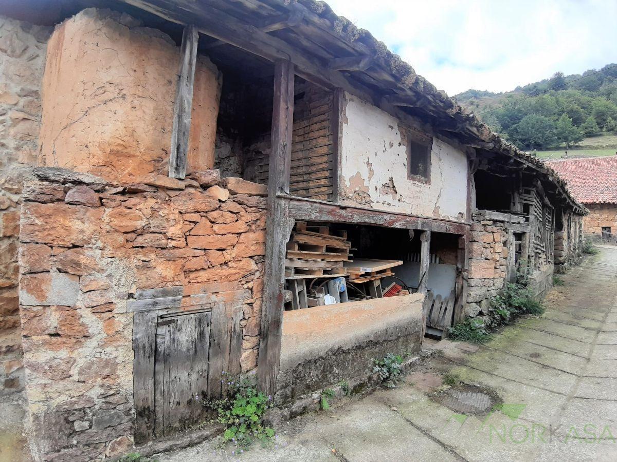 Venta de casa en Teverga