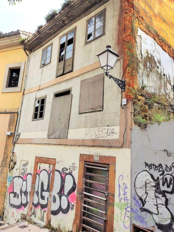 For sale of building in Oviedo