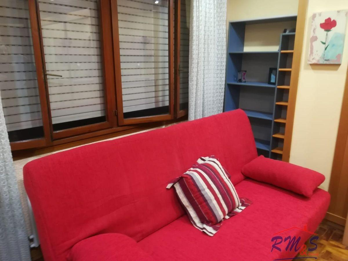 For sale of study in Oviedo