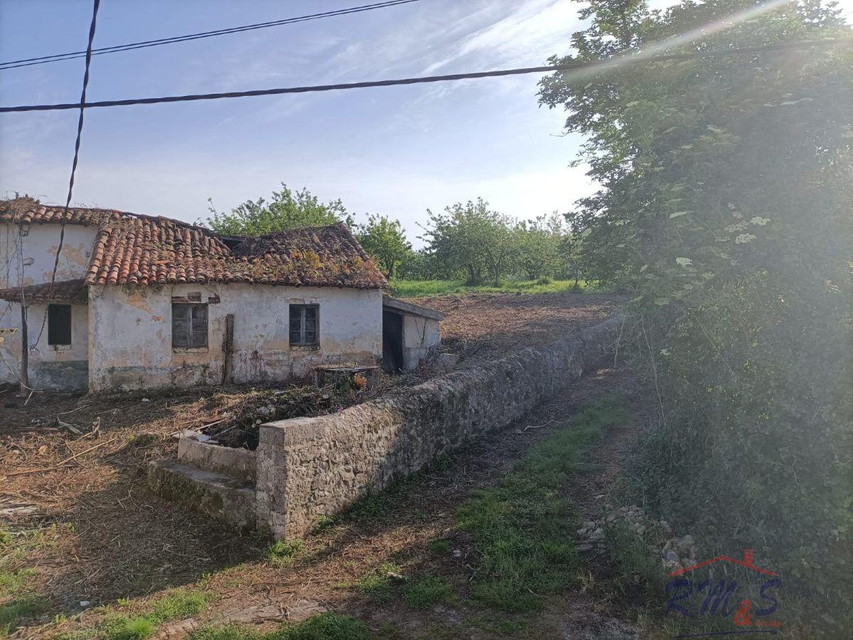 For sale of house in Las Regueras