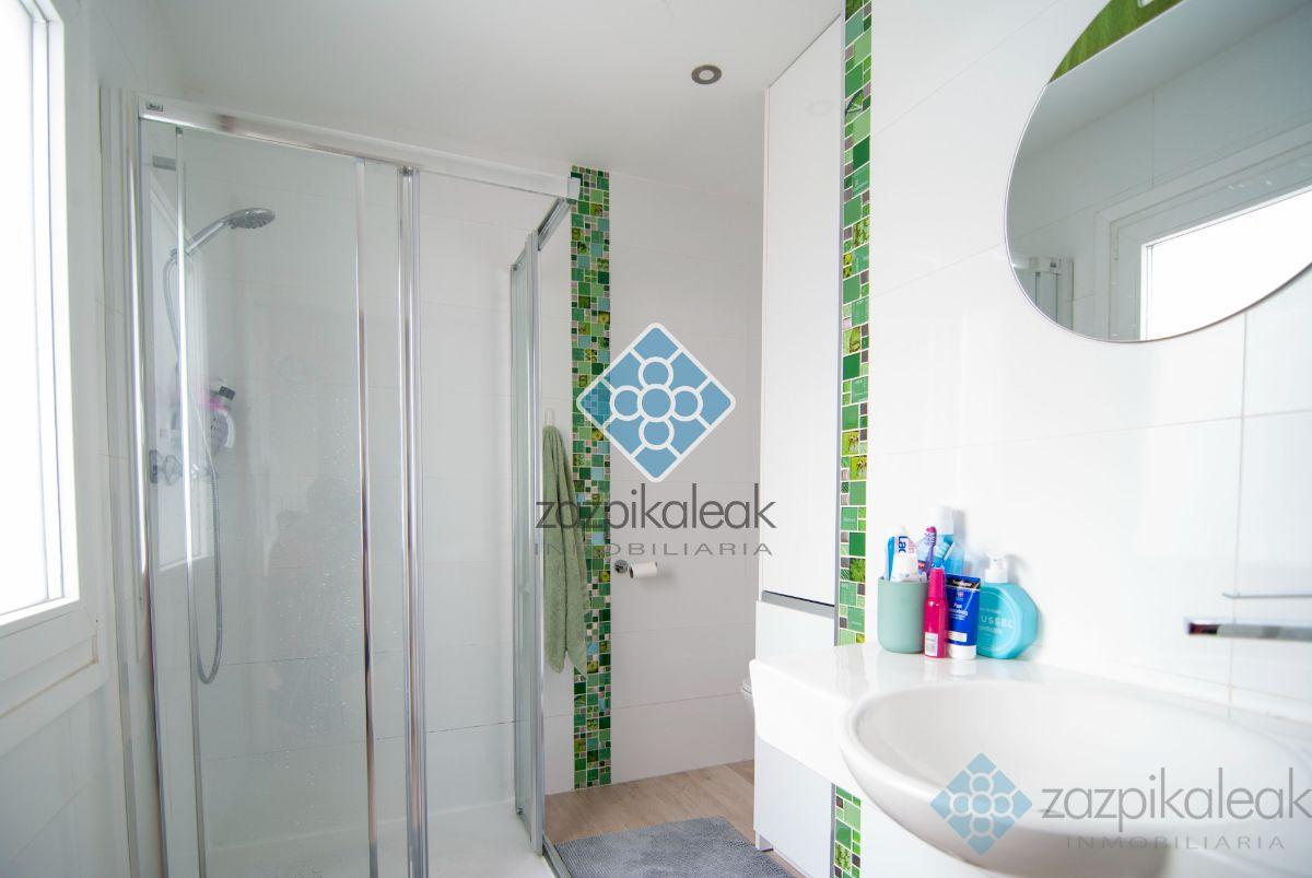 For sale of penthouse in Bilbao