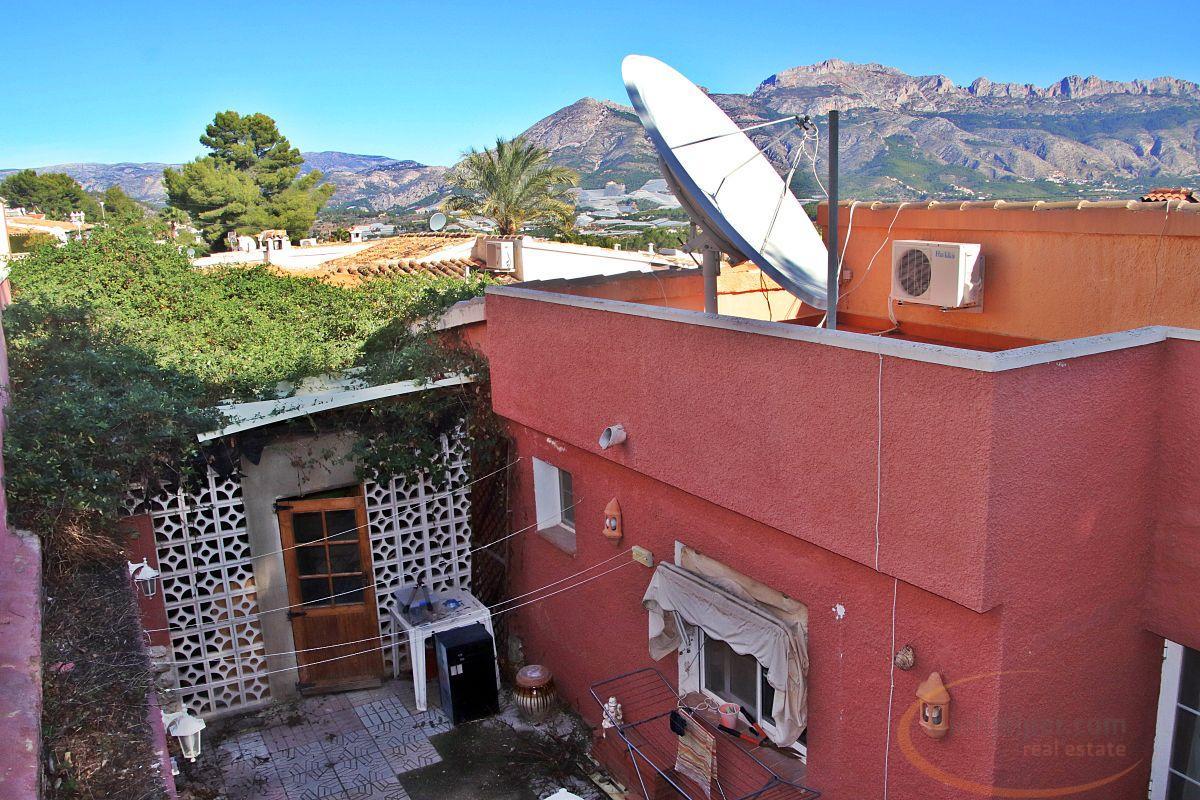 Köp av chalet i La Nucia