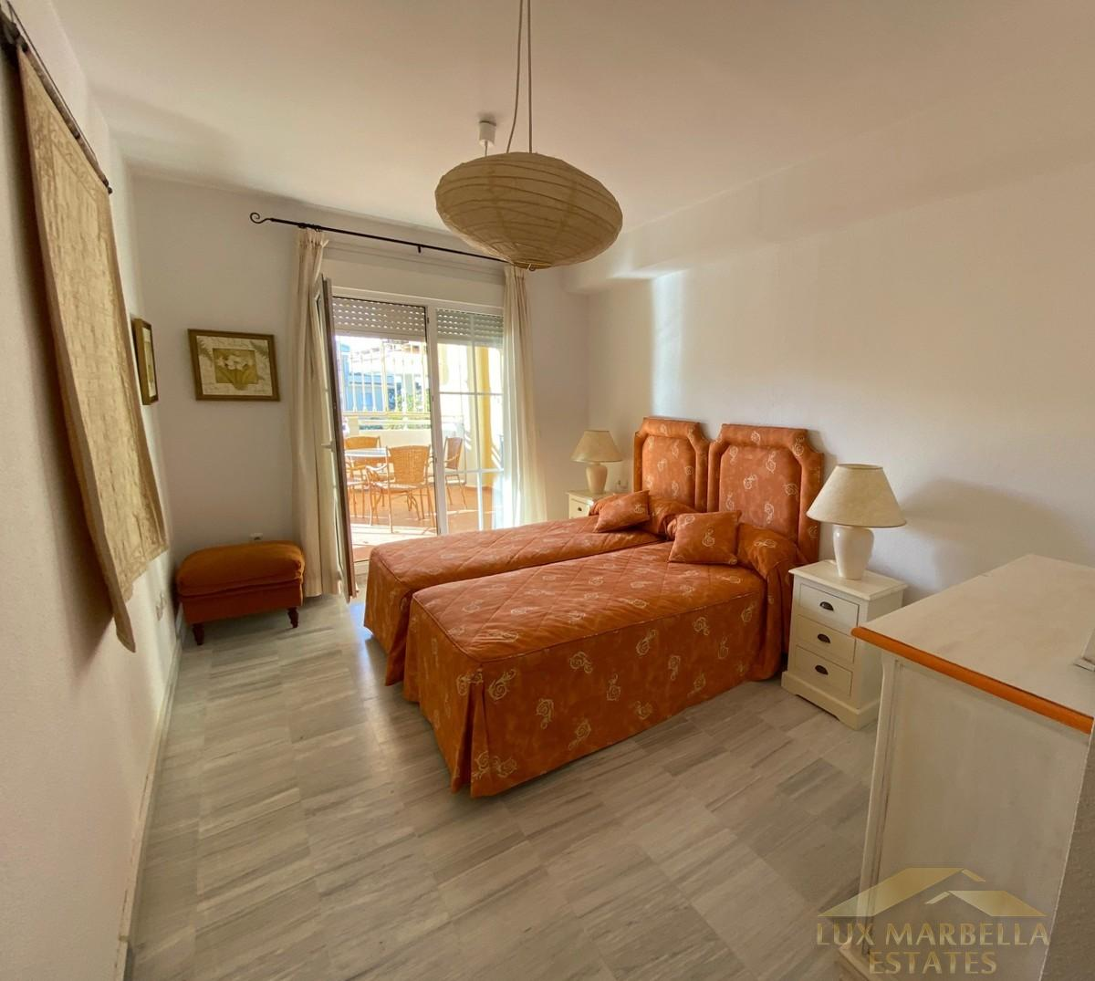 For sale of apartment in Marbella