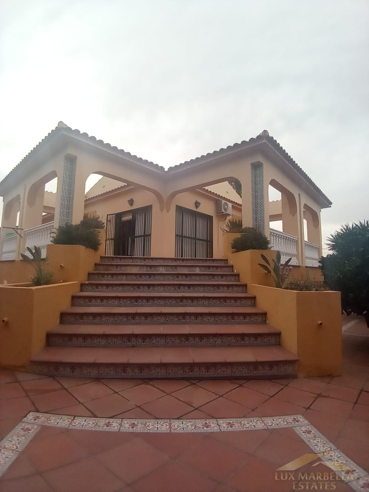 Verkoop van villa in Alhaurín de la Torre