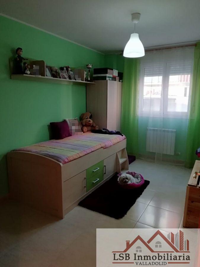 For sale of flat in Zaratán