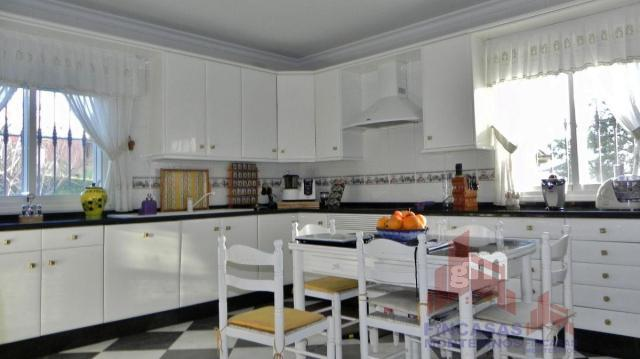 For sale of chalet in Cáceres