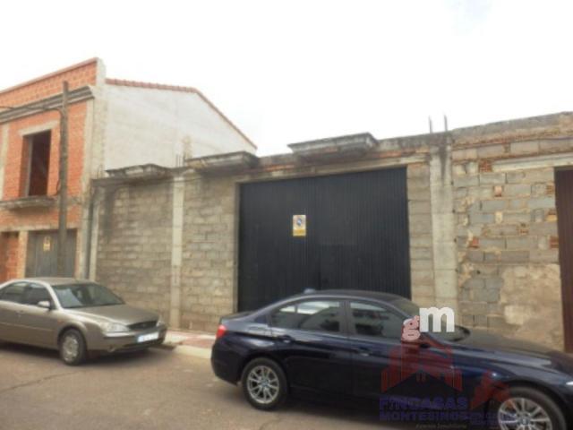 Venta de garaje en Santa Amalia