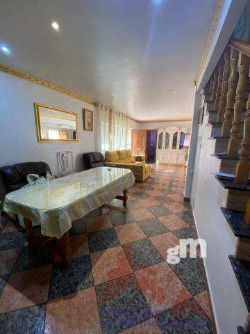 For sale of house in Almoharín