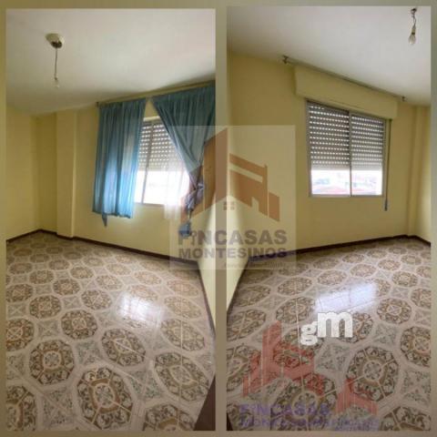 For sale of flat in Santa Amalia