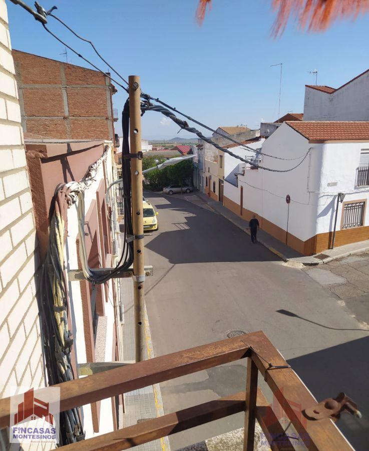 For sale of building in Villanueva de la Serena