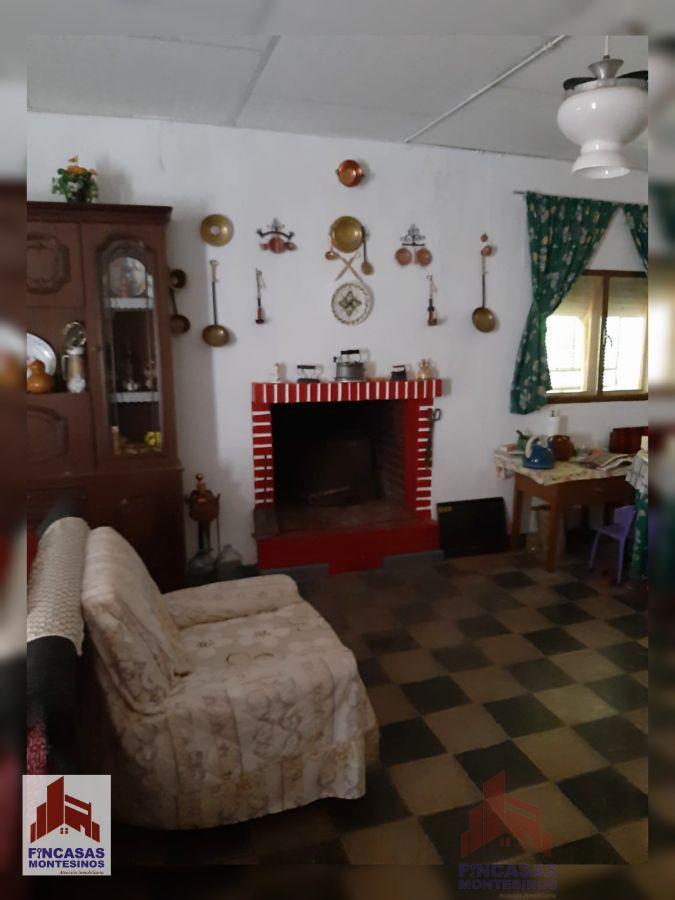 For sale of chalet in Santa Amalia