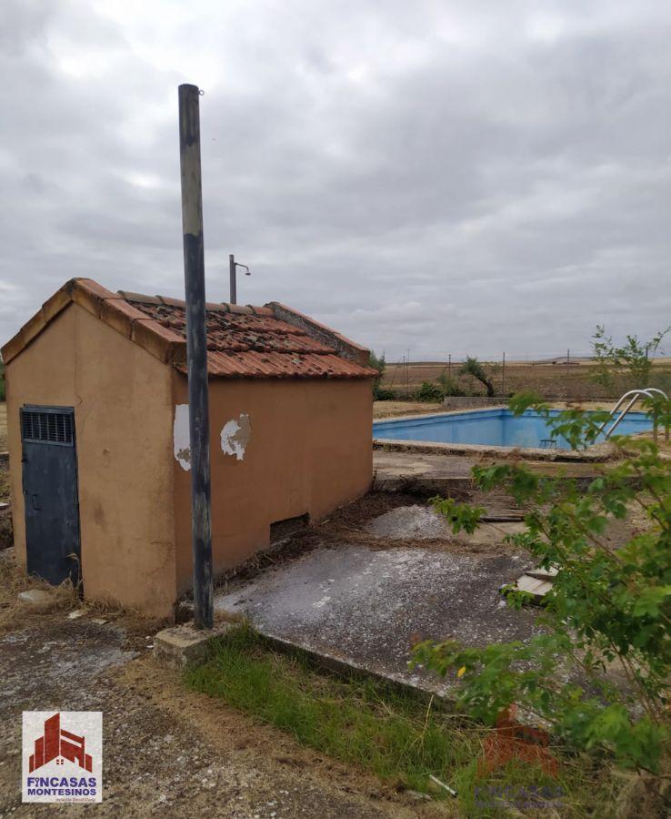For sale of chalet in Don Benito