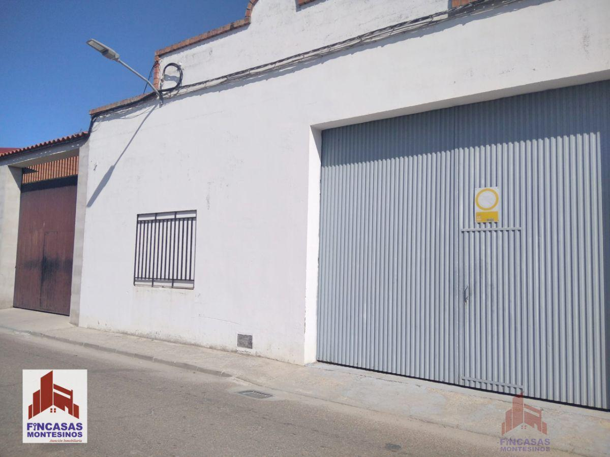 For sale of industrial plant/warehouse in Santa Amalia