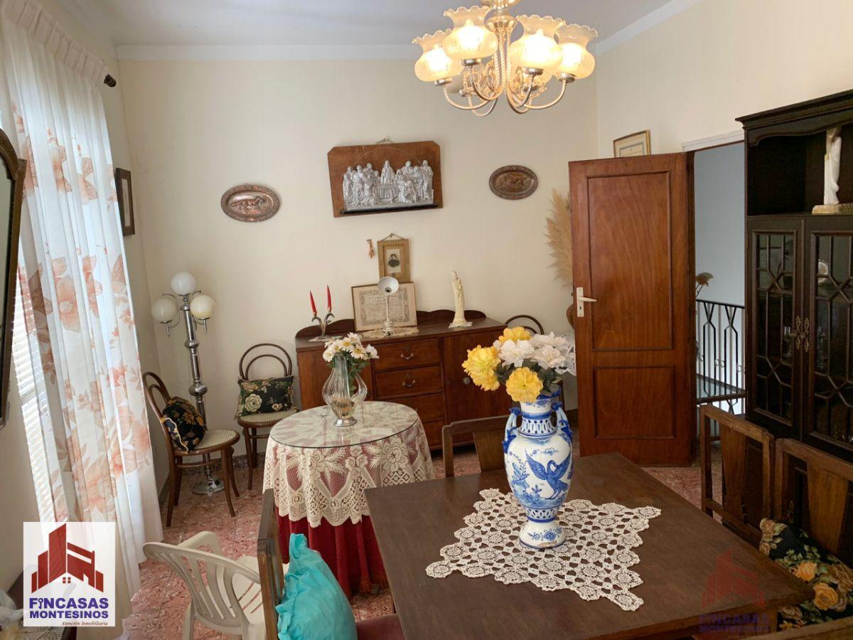 For sale of house in Santa Amalia