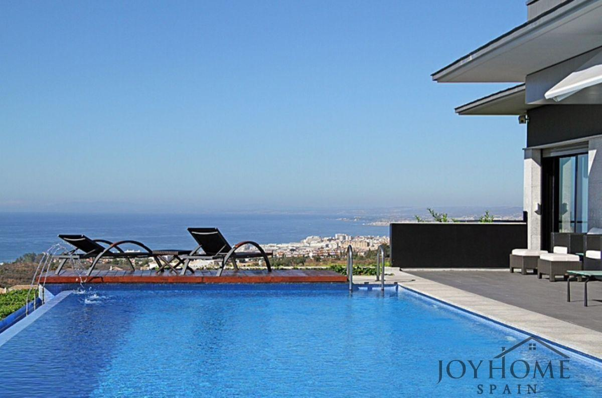 For sale of chalet in Marbella