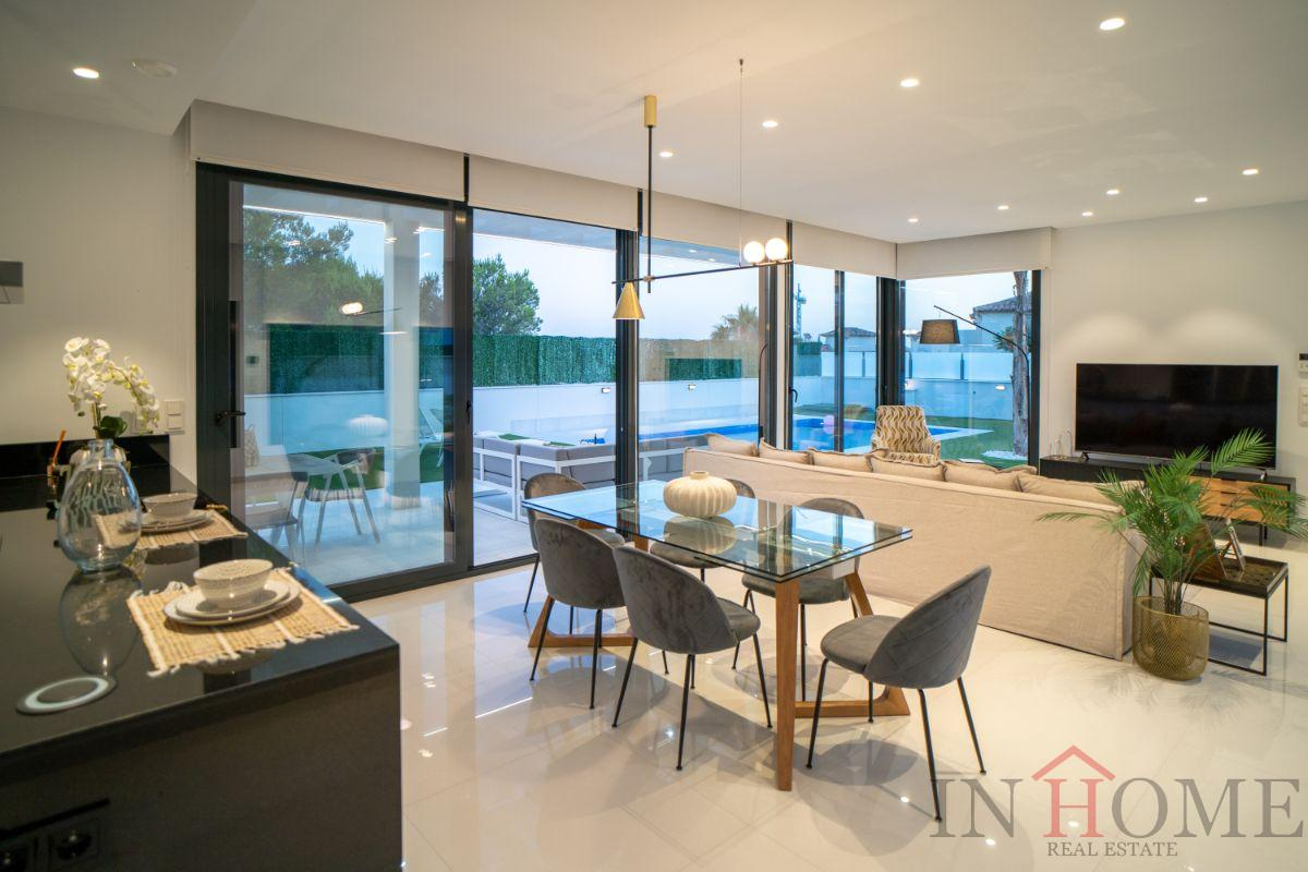 For sale of new build in Finestrat